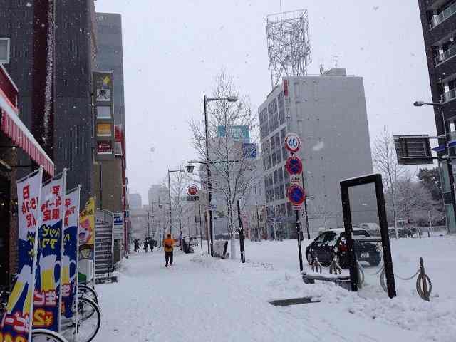 雪のあら町2.jpg