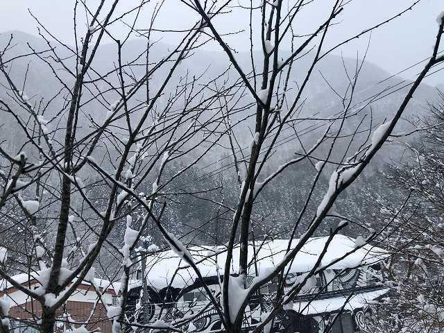 雪は降り続いて3.jpg