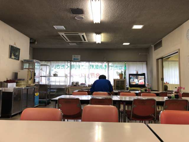 食堂内2.jpg