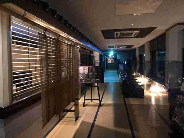 館内夜2.jpg