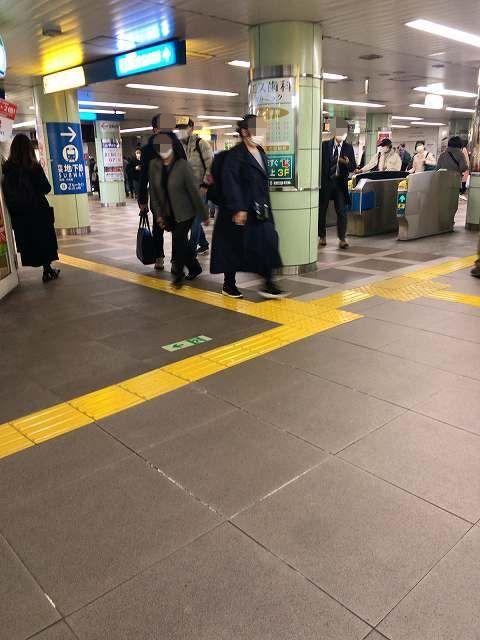 駅5脱兎1-1.jpg