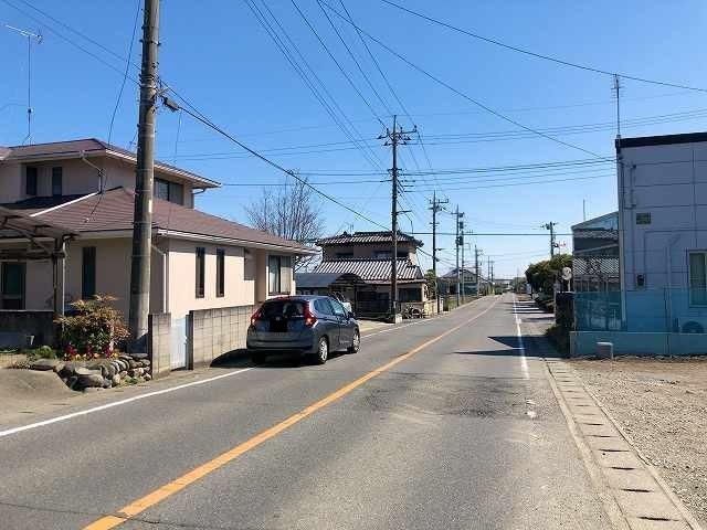駅から鏑川へ伸びる道1.jpg