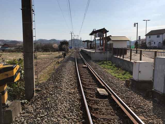 駅ホームを見る.jpg