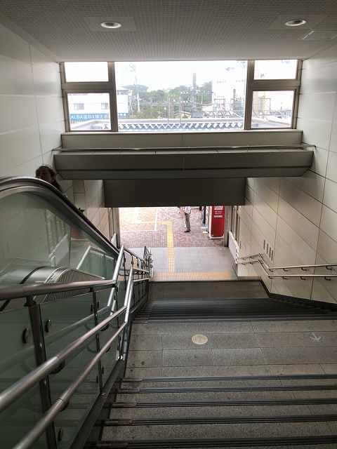 駅階段.jpg