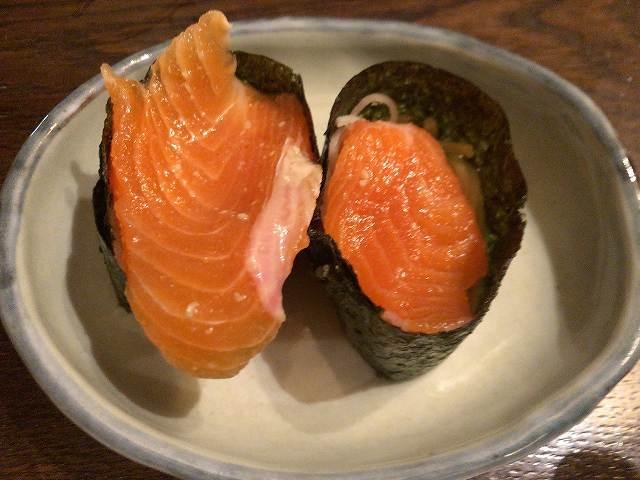 鱒の蕎麦寿司3.jpg