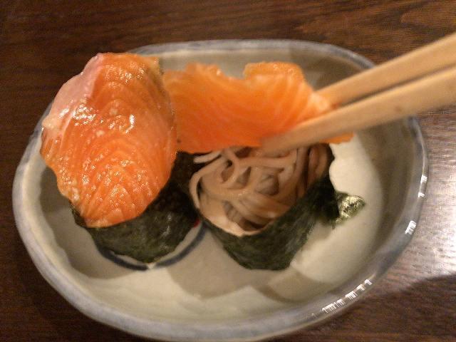 鱒の蕎麦寿司5.jpg